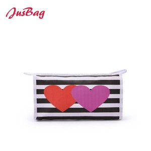 Printed canvas make up bag-hearts